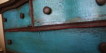 Furniture Makeover – A Vintage Dresser