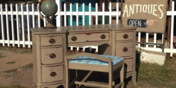 Painted Furniture Using an All Natural Chalk and Clay Paint