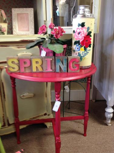 Larkspur Interiors table